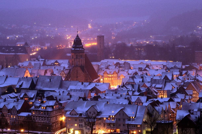 Weihnachtliche Stadt von der Tillyschanze aus